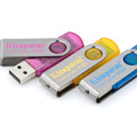 MP3 prehrávač do 5GB - KINGSTON DataTraveler101 USB 4GB cyan